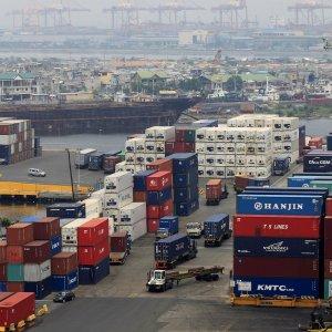 Vietnam Posts Trade Deficit