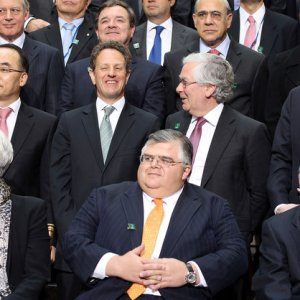 World Economy Needs Low Interest Rates
