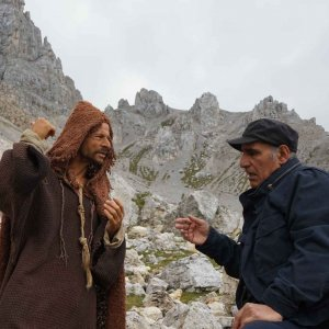 Amir Naderi (R) and Andrea Sartoretti behind the scenes of 'Monte'