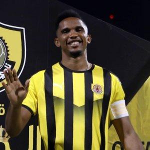 Xavi, Sneijder Guide Eto'o to Qatar League