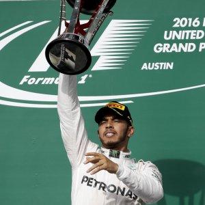 Hamilton in Hunt for 4th F1 Title