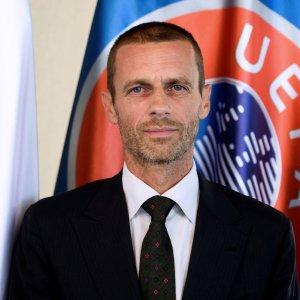 UEFA Boss Says May Ban Heading in Youth Football