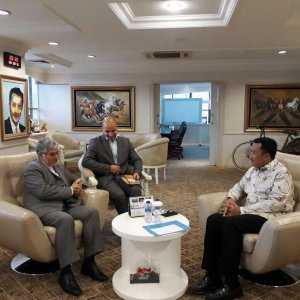 Envoy Discusses Sport Coop.  With Indonesia Minister