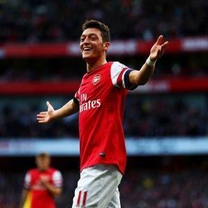 Wenger Denies Ozil Moving to Barcelona