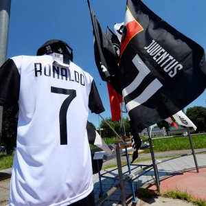 A Juventus' jersey with the name of Cristiano Ronaldo  is exhibited in a shop in Turin.