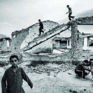 Afghan children in Saeedi's photo