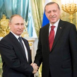 Russian President Vladimir Putin (L) and Turkey's President Recep Tayyip Erdogan meet at Kremlin, Moscow, on March 10.