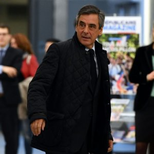 "Fillon Wins ""Unanimous"" Support From Conservatives"