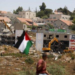 Israeli bulldozers demolish Palestinian homes. (File Photo)