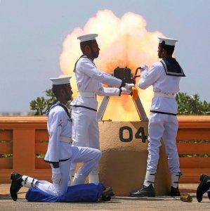 Sri Lanka's navy fires a gun salute during the Sri Lanka's 70th Independence Day celebrations in Colombo,  Sri Lanka February 4. (File Photo)