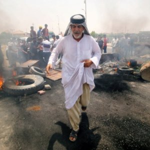 The Iraqi government held an emergency meeting on Saturday after protests against high unemployment and a lack of basic services spread to the nation's capital, Baghdad.