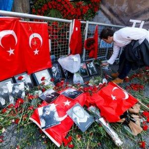 Istanbul Gunman Possibly Trained in Syria