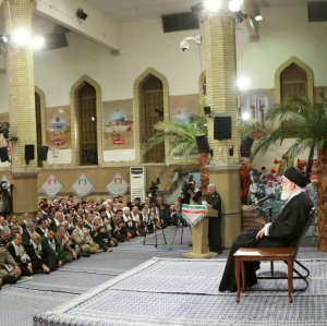 Ayatollah Seyyed Ali Khamenei addresses war veterans and organizers of tours to battle zones of the 1980-88 Iraq-imposed war in a meeting in Tehran on March 6.