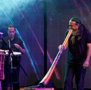 Payam Ronaq playing didgeridoo