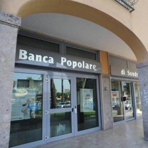 Italian Bank, 20 Iranian Banks Start Money Transfer Service