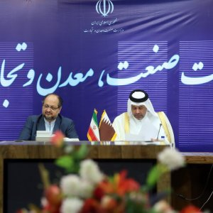 Qatar Economy Minister in Tehran: Doha Seeks to Expand Trade With Iran