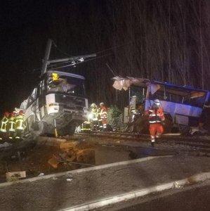 Four French Schoolchildren Killed as Train Plows Into Bus
