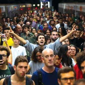 Metro, Roads Disrupted in Catalonia Pro-Independence Protests