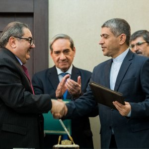 Iraqi Finance Minister in Tehran