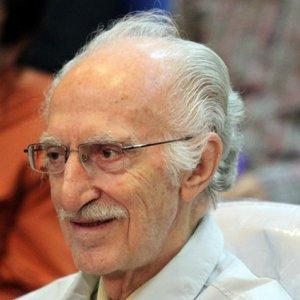Prominent Translator Dies