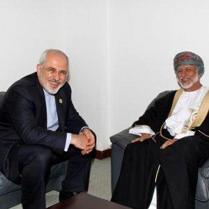Zarif Confers With Omani FM