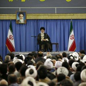 Leader Urges Muslim Unity