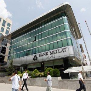 Economist: Banks Failed to Contribute to Resistance Economy