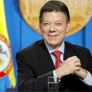 Santos Hails Farc War Victims Reparation Deal