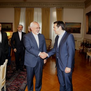 FM, Greece Officials  Discuss Ties, Int'l Issues