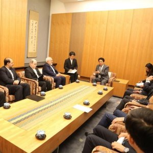 Zarif, Abe Confer on Relations