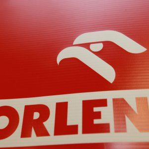 Polish Refiner Buys Crude From NIOC