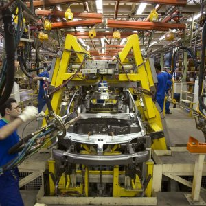 Local Carmakers Suspend Production of 6 China Models