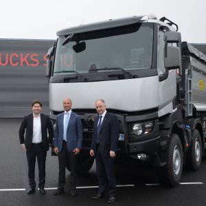 Arya Diesel Motors will start by assembling Renault Trucks T, with industrial operations set to commence in mid-2017.