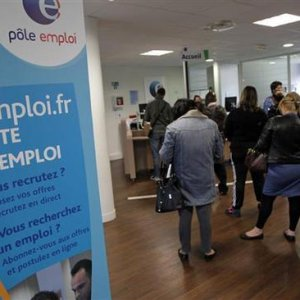 French Jobless Rate Falls