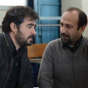 Asghar Farhadi (R) and Shahab Hosseini behind the scenes  in 'The Salesman'