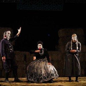 A scene from Tapancheh Khanoum' (Lady Pistol)