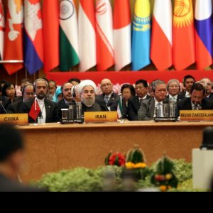 President Hassan Rouhani (C) addressed the ACD summit in Bangkok on Oct. 10.