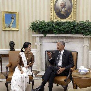 Obama Orders Lifting of Myanmar Sanctions