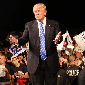 More Top Republicans Drop Support for Trump