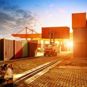 Dubai's Foreign Trade Falls