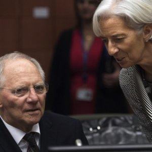 Christine Lagarde (R) and Wolfgang Schaeuble