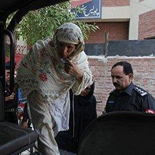 """Pak MPs Toughen """"Honor"""" Killings Penalty"""