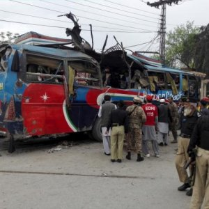 Bomb Kills 15 in Pakistan's Peshawar