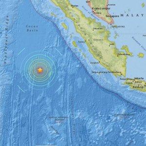 Magnitude 7.8 Quake Off Indonesia