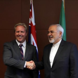 """Zarif: Invest in """"Most Stable"""" West Asian Country"""