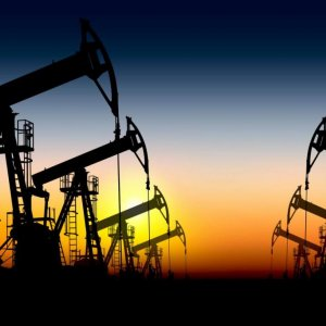 Oil Rises as Sentiment Turns More Upbeat