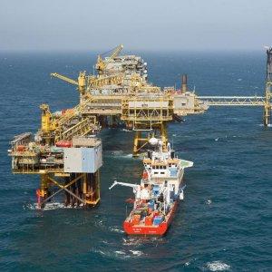 Iran Favors Oil Freeze After Producing 4m bpd