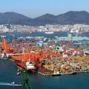 Tehran, Seoul to Revive Trade, Shipping Ties