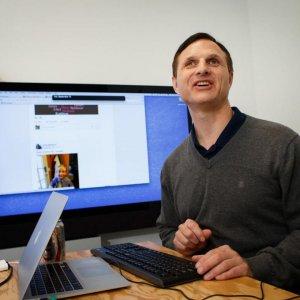 Social Media for the Blind