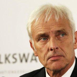 Volkswagen CEO to Cut Board Bonuses